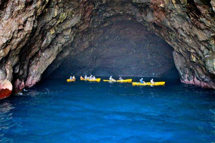 Na Pali Coast - Pirate's Cave Kauai
